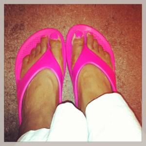 Oofos shoes (fuschia)