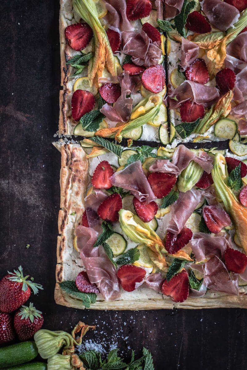 blätterteigflammkuchen trickytine zucchini erdbeeren ziegenfrischkaese