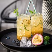 virgin tonka & passionfruit mojito - sommerlicher alkoholfreier cocktail