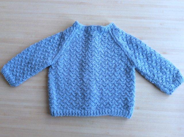 cardigan tricot de dos