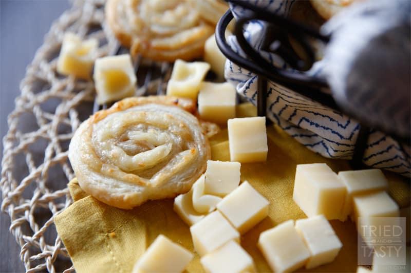 Turkey Swiss Pinwheel Appetizer // Tried and Tasty