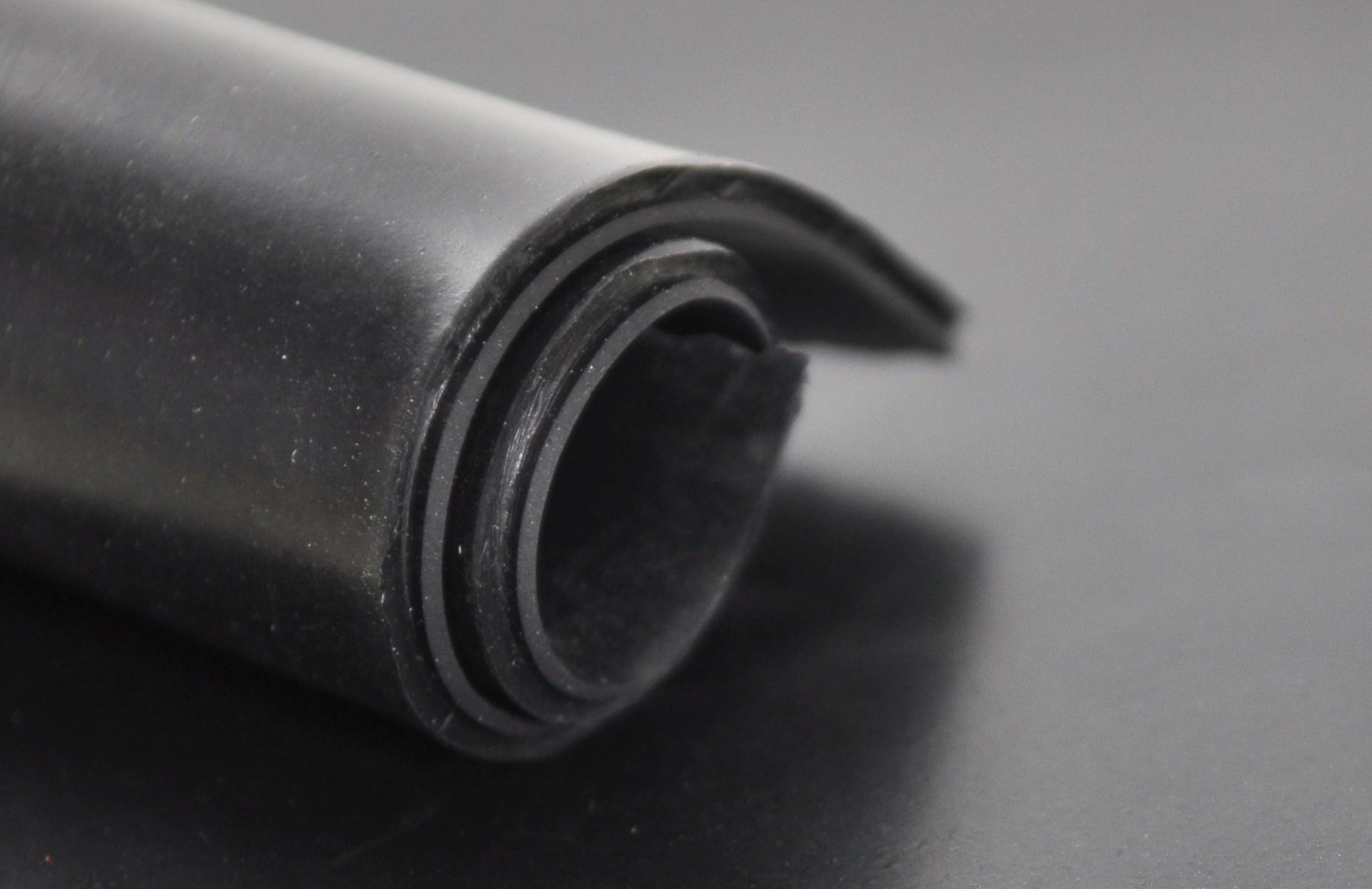 plancha de goma corriente de 15 mm.