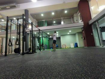 suelo de goma para gimnasio