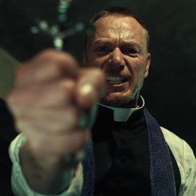 Saiba como é realizado um exorcismo | Curiosidades Macabras