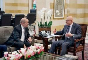 M. Le Drian en compagnie du Premier ministre Tammam Salam