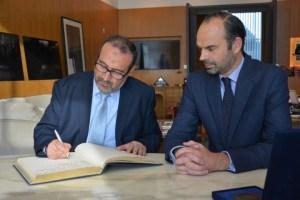 Jeudi 27 octobre au Havre Mohamed El Bachir Abedllaoui, Maire de Tanger et Edouard Philippe, Maire du Havre ont signé un protocole d'amitié – Crédit photo : Stéphanie Petit