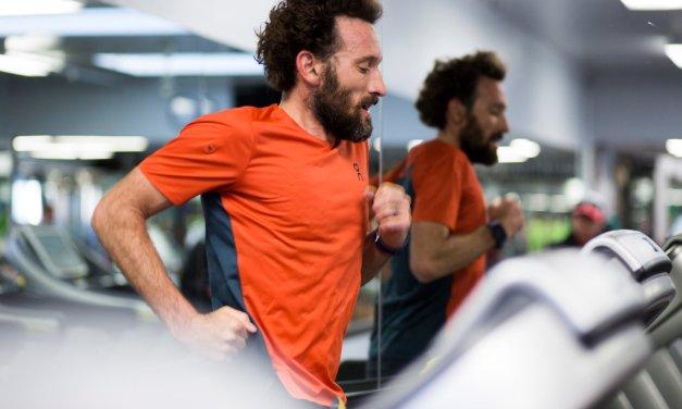 Este hombre espera correr 2:50 en la maratón de Boston el lunes.