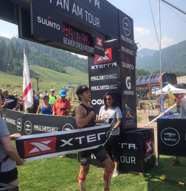 Mauricio Mendez gana el XTERRA Beaver Creek en Colorado.