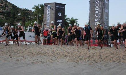 Ellie Salthouse y Sam Appleton los ganadores en Ironman 70.3 Los Cabos.