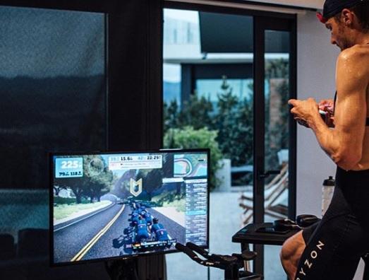 Durante la cuarentena mundial, Jan Frodeno invita a pedalear a su lado en plataforma virtual