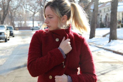 In your closet you should have a holly red piece, I love this jacket from GUESS, the colour keeps me warm during these cold days, well also the fabric