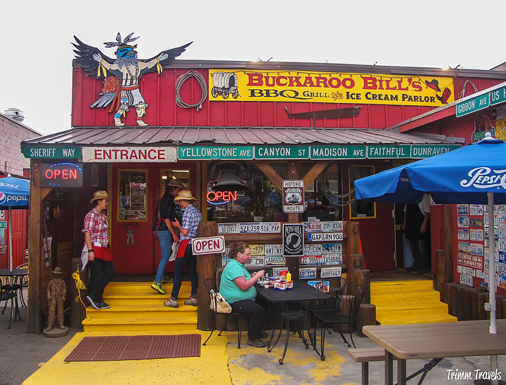 Yellowstone Places Eat Buckaroo Bills Exterior View