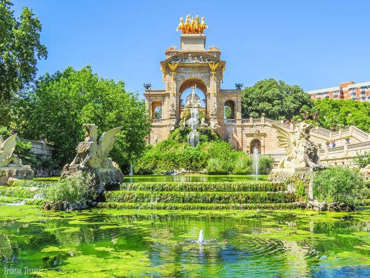 closeup of La Cascada waterfall in Park Ciutadella A Gaudi Barcelona Tour