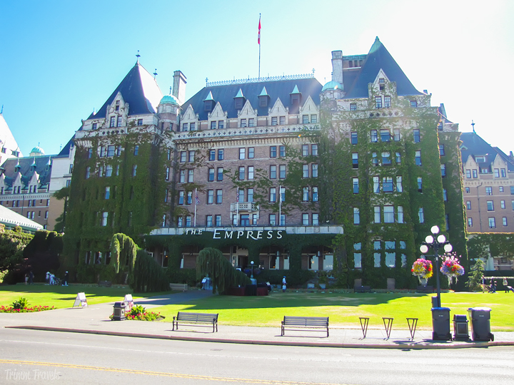 Looking to book that long-awaited luxury getaway and wanting to have that unforgettable, dream hotel experience? I know just the place! I am sharing mypersonal list of 4 and 5-star luxury stays from across the globe including Canada, Europe, Asia, South America and right here in the United States! #luxury #accommodations #hotels #travel #europe #southamerica #usa #asia #canada #traveltips