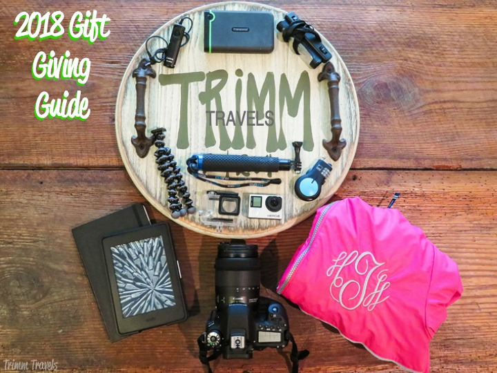 Have a traveler in your life and have no idea what to give them? That's okay, I've come to your rescue with my 2018 gift giving guide for the globetrotter! #giftguide #giftgiving #holiday #gift #globetrotter #traveler #christmas #gifts