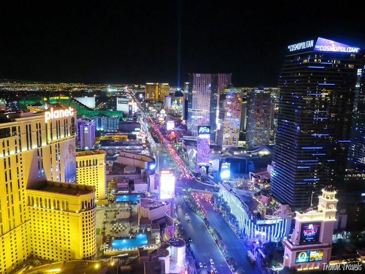 Wondering where to go when the sun goes down and the Strip wakes up for the night? Head to these four places to see the best views in Las Vegas at night! #lasvegas #vegas #sincity #nevada #vegasviews #nightviews #aerialviews #stripatnight #nightphotography