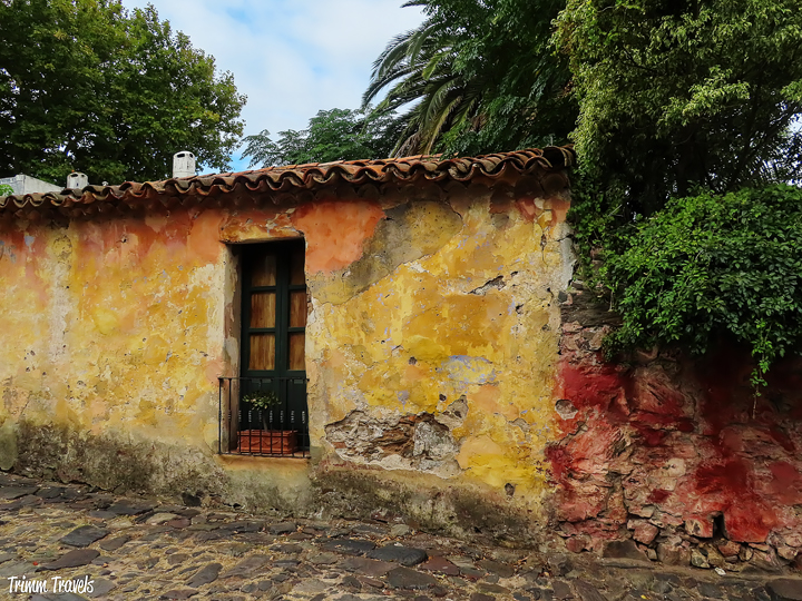 It can be difficult deciding on a day trip from Buenos Aires. While Montevideo is popular, I highly recommend picturesque Colonia del Sacramento, Uruguay! #buenosaires #coloniadelsacramento #colonia #argentina #uruguay #daytrip #travel #destination #tips