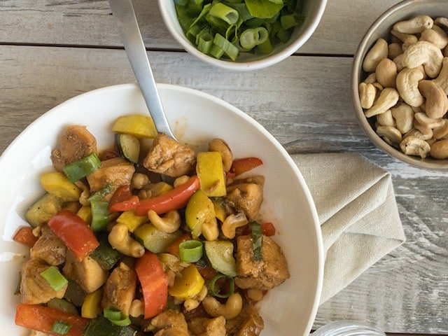 Keto Spicy Cashew Chicken Stir Fry