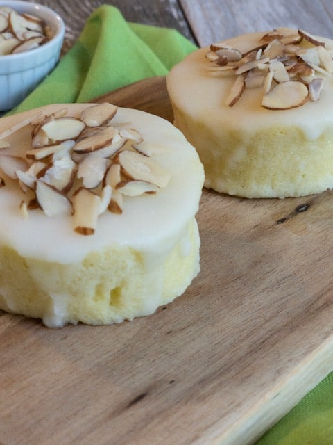 Keto Lemon Mug Cake