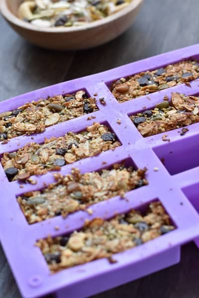 Keto Chocolate Chip Granola Bars