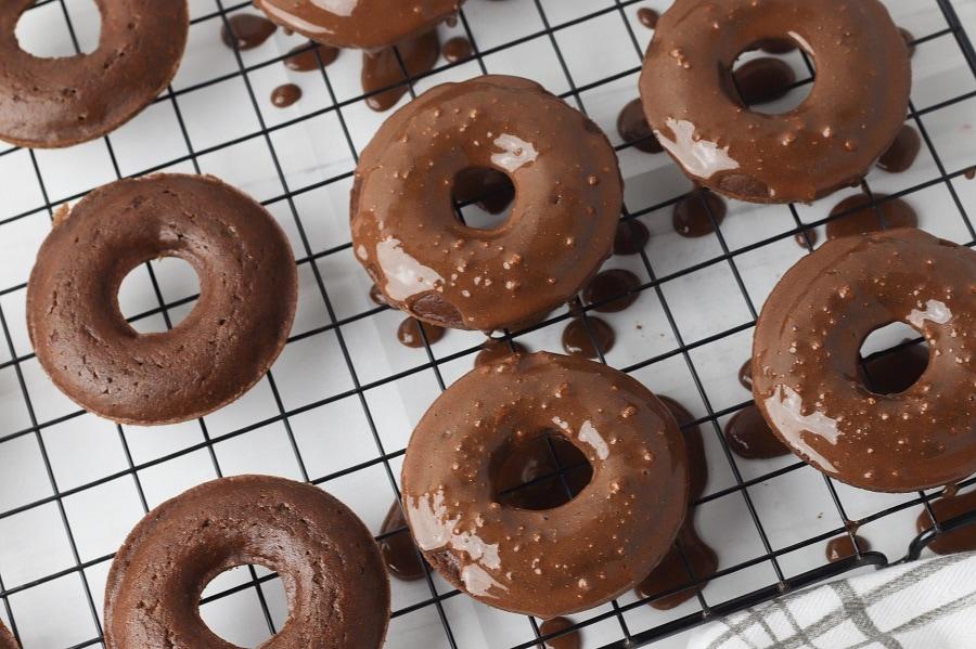 Gluten Free Mint Chocolate Donuts