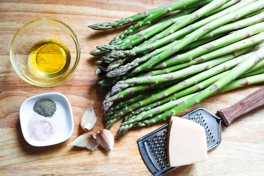 How to Make Garlic Parmesan Asparagus