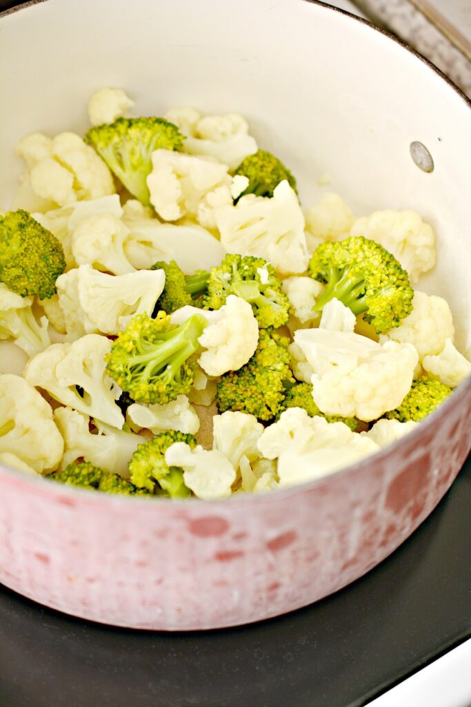 Broccoli and Cauliflower in bowl