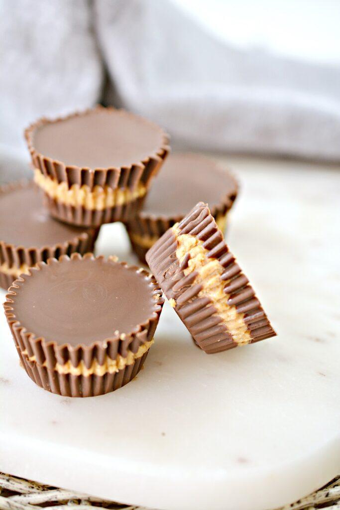 5 Keto Peanut Butter Cups