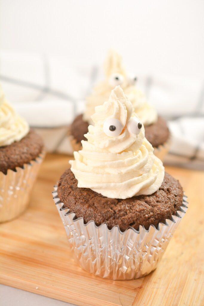 Keto Chocolate Ghost Cupcakes