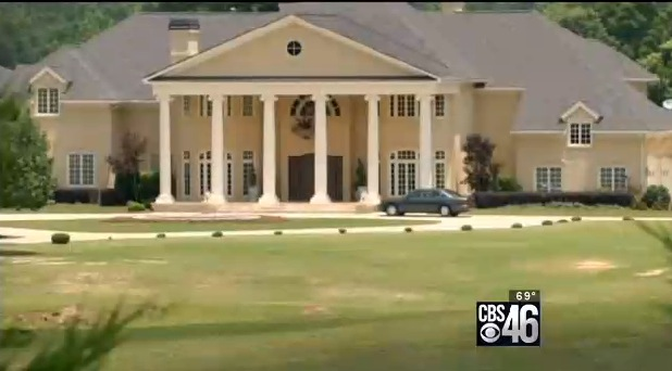 Creflo Dollar's Georgia mansion