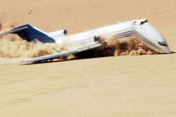 Boeing 727 ile Uçağın Yere Çarpması Test Edildi (10 Fotograf)