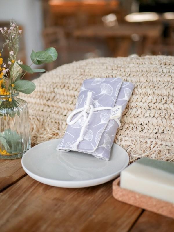Pochette à savon en coton enduit, coloris ginko gris - Trinquette Artisanat