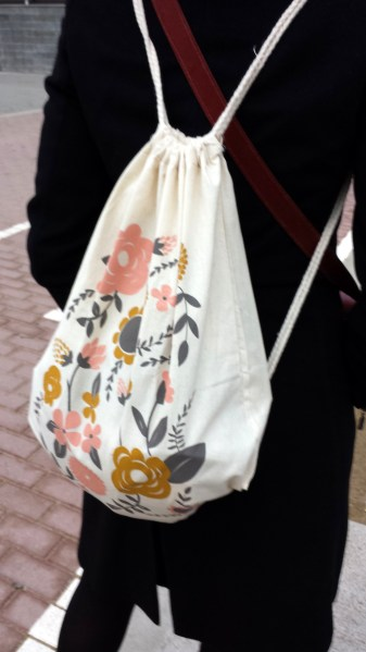 mochila flores depeapa