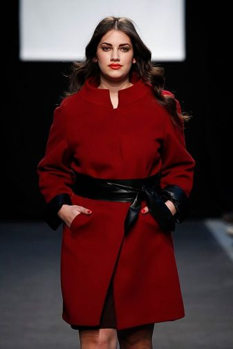 Elena Miró abrigo rojo