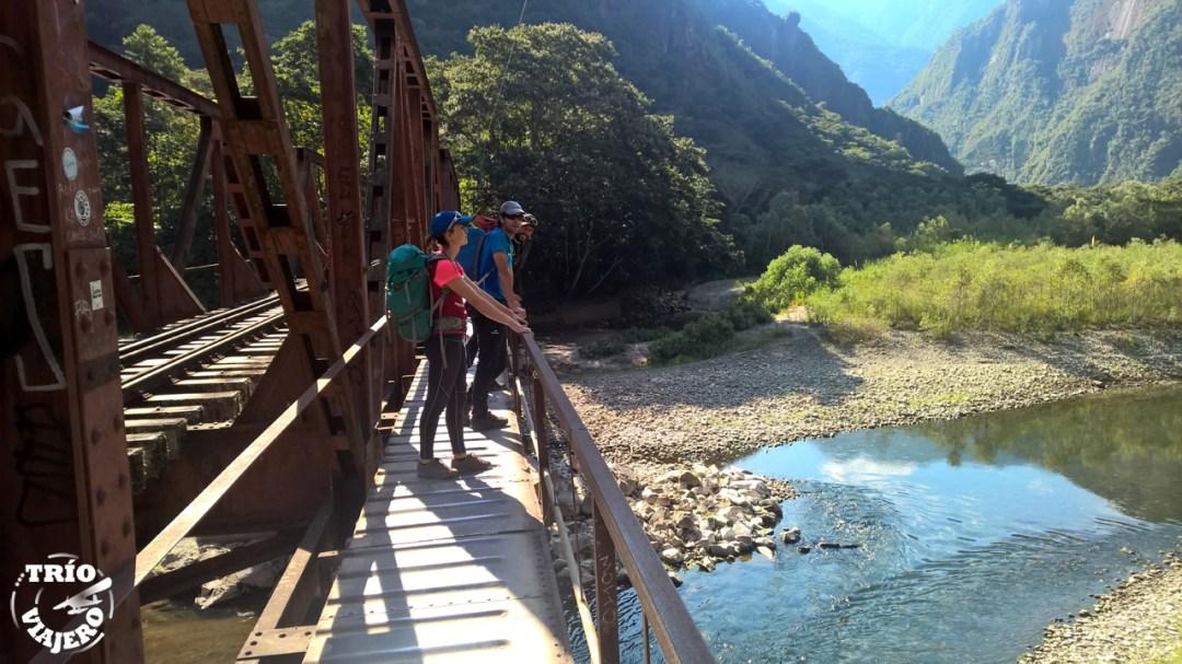 Hidroeléctrica a Machu Picchu (Cuzco - Perú - América)