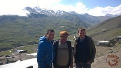 Azerbaiyan_Xinaliq_trio_viajero_Alex_Pablo_Hajibala