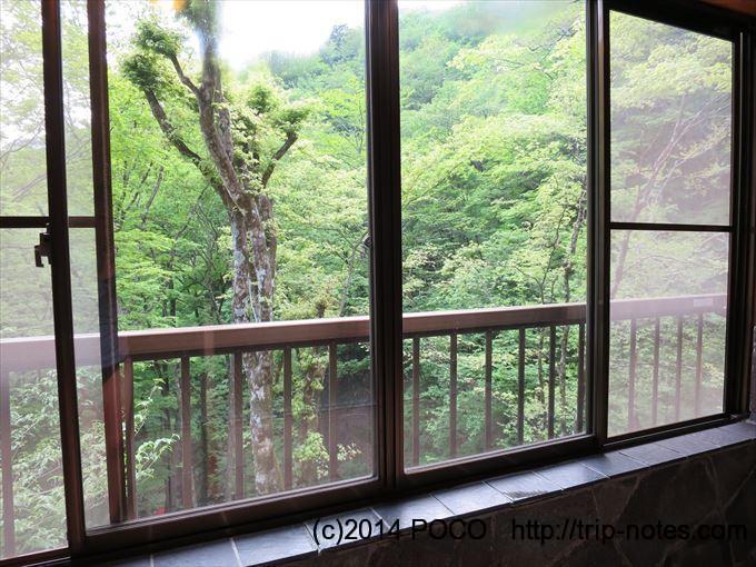 三条の湯_お風呂の窓