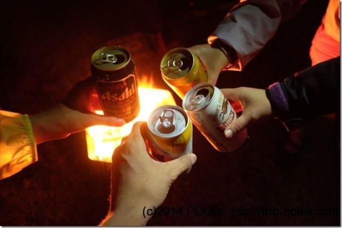 たき火とビール