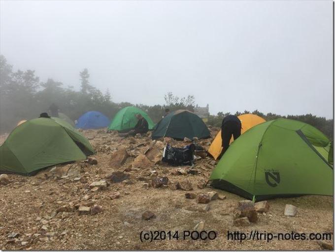 冷池山荘のテン場