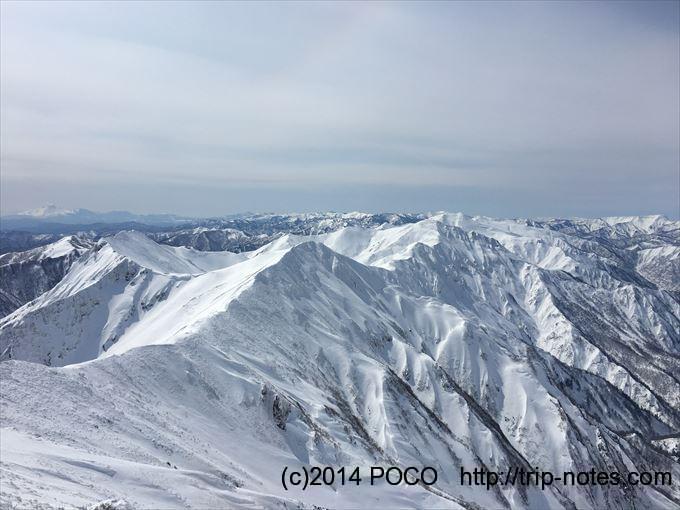 雪の谷川岳主脈