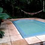 Hostel Timbó Iguazú jardín y pileta
