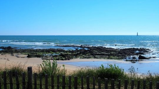 plage de la paracou sables d olonne