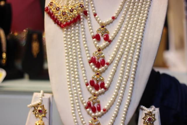 Pearls at Laad Bazaar