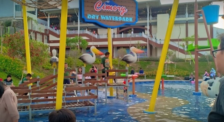 dry waterpark cimory prigen