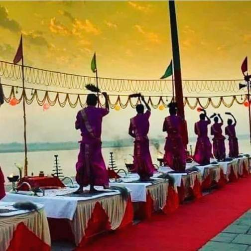 Experience Sunrise with Boat Tour and Ganga Aarti
