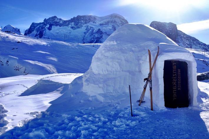 Things to do in Switzerland in winter - igloo