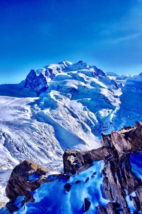 Mountainview from the top of the Gornergrat in Zermatt