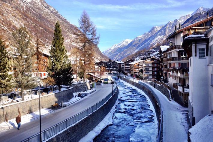The river Matter Vista divides Zermatt in two
