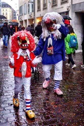 Parrent and kid Waggis at the Basler Fasnacht