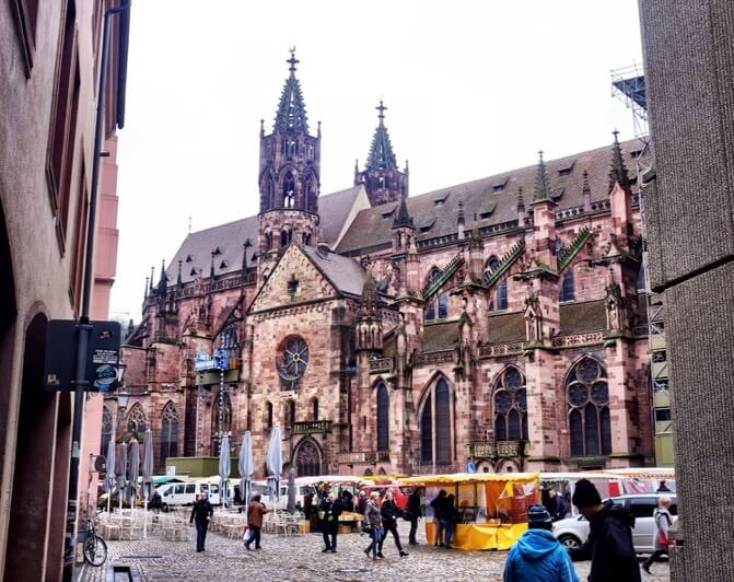 Things to do in Freiburg Germany Minster Munster Münster